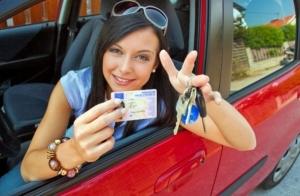 ¡Sácate el carné de coche, elige entre 25 autoescuelas!