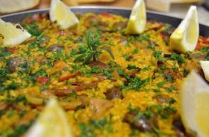 Menú de pollo asado, paella o costilla en Listorreta