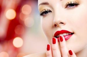 Peluquería + maquillaje + manicura