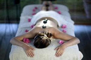 Tratamiento facial + masaje craneofacial y/o reflexoterapia podal
