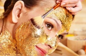 Tratamiento facial oro o platino con efecto rejuvenecedor